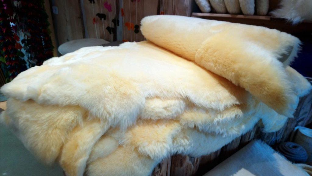 peau mérinos laine dou mouton naturel